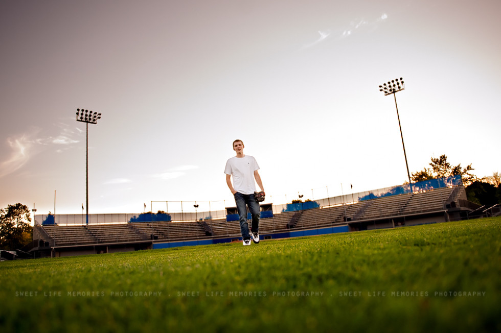 Senior Guy Pictures at Mansfield Stadium – Bangor ME