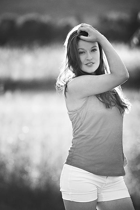senior girl black and white in field